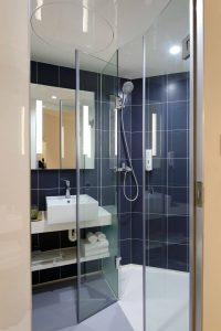 Asymmetrisk duschhörna